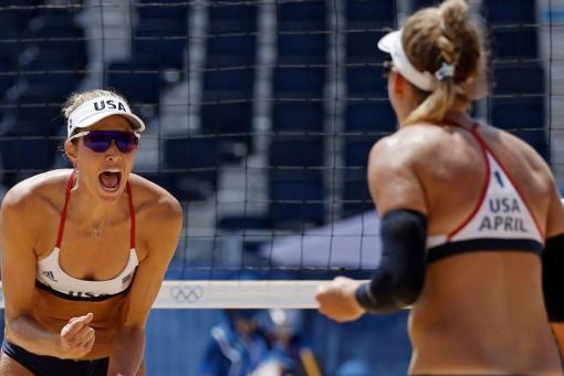 Olympic Mỹ giành chức vô địch bóng chuyền bãi biển nữ