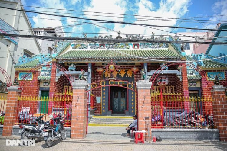 Độc đáo ngôi chùa cổ trăm tuổi nổi tiếng giữa lòng Cần Thơ