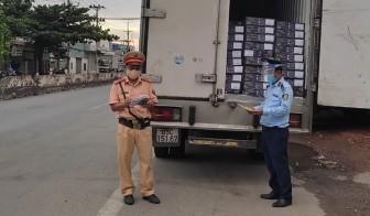 Tiền Giang: Bắt xe tải chở 4 tấn đầu cá hồi không hóa đơn chứng từ
